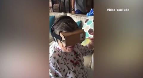 Abuela prueba la Realidad Virtual por primera vez