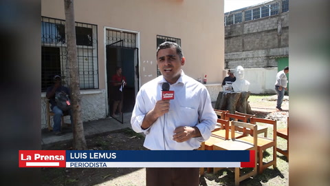 Trabajan en la renovación de la biblioteca pública en La Ceiba