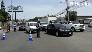 Policía solicita a la población tomar rutas alternas durante protesta