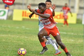 Rossel Cacho, descendido con Real Sociedad quiere seguir en Primera