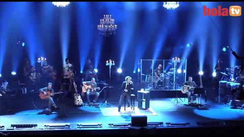 David Bisbal arrasa con su concierto acústico en el Teatro Real de Madrid