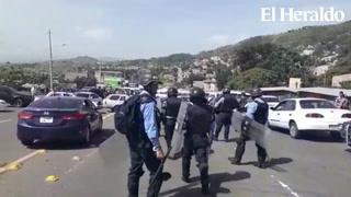Comienzan los desalojos por parte de la Policía en sectores capitalinos