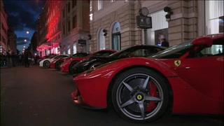 Los Ferrari que pasearon a Monroe o Loren circulan por Roma