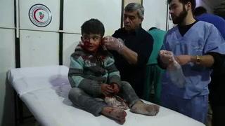 Cien civiles muertos en un día de bombardeos sirios
