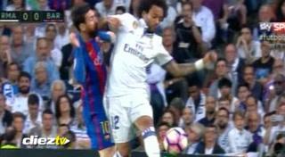 El salvaje codazo de Marcelo a Messi en el Bernabéu