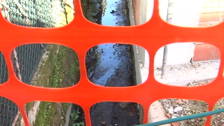 Santa Bona, scarichi fognari nel canale