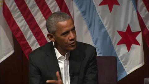 Obama regresa a la actividad pública impulsando a jóvenes