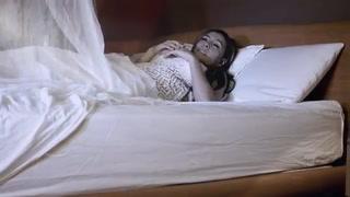 Jesé la 'pega' en el estreno de 'Bonita' junto a Vela, la ardiente cantante colombiana