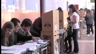 Ecuatorianos eligen presidente y legisladores