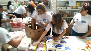 Walmart entrega nueve toneladas de alimentos para los exbolsones
