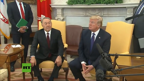 Trump expulsa a un reportero de la CNN del Despacho Oval