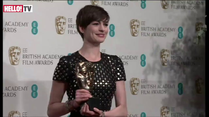 Anne Hathaway\'s emotional speech following her Supporting Actress win