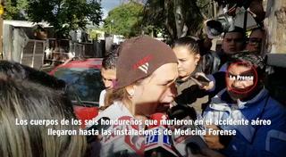 Restos de las seis víctimas del accidente en el que murió Hilda Hernández llegan a la morgue
