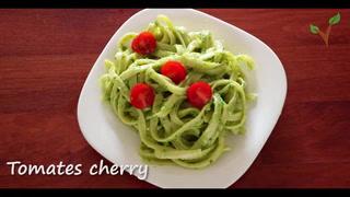 Veggylandia: Pasta en salsa de aguacate