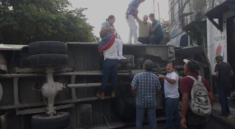Choque de dos buses deja varios heridos en San Pedro Sula