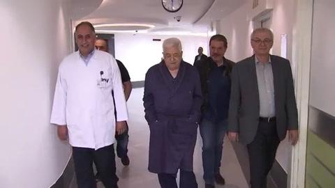 El presidente palestino Abas tiene neumonía y mejora