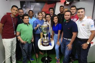 El campeón de Honduras visita la redacción de Diario DIEZ