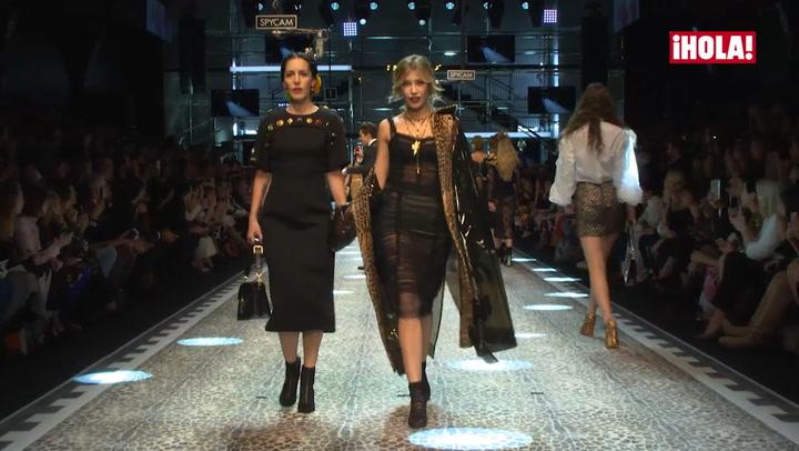 ¡Michelle Salas debuta como modelo en el desfile de Dolce & Gabbana!