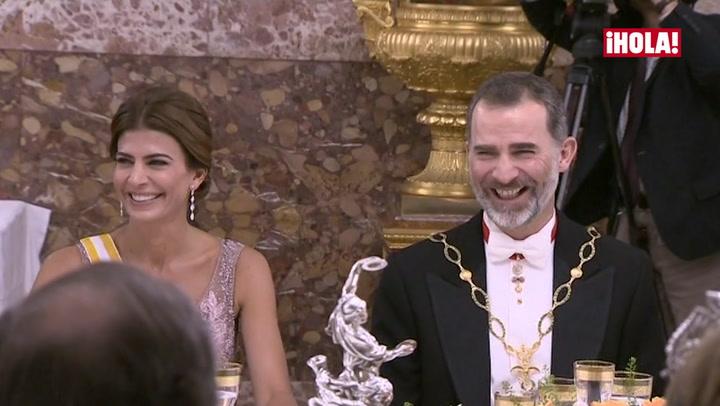 La corrección de la Reina, la simpática broma del Presidente sobre su hija Antonia... las anécdotas para la posteridad de una gran cena de gala en el Palacio Real