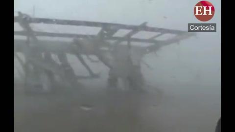 Huracán Maria destruye gasolinera en San Juan Puerto Rico