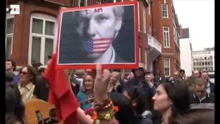 Ecuador deja sin internet a Assange en Embajada en Londres