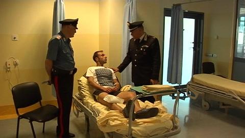 Non si ferma all'alt e travolge carabiniere