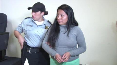 El Salvador confirma condena a mujer por ley antiaborto