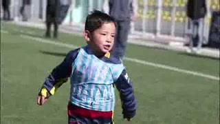 Niño afgano conocerá a Messi, su ídolo