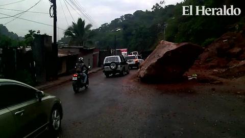 Derrumbes y familias albergadas dejan fuertes lluvias en Tegucigalpa
