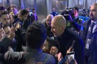 Pasan los años y Zidane se sigue robando el corazón de los hinchas