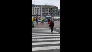 Joven mata con cuchillo a dos personas en Finlandia