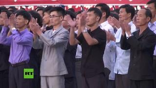 Miles de norcoreanos se manifestan en contra de Trump