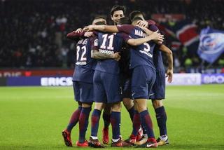 Cavani y Di María tienen ganando al PSG ante el Nantes