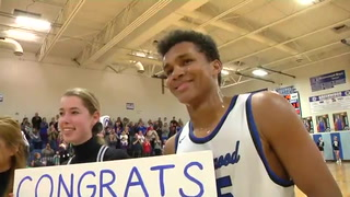 Julius Walker sets all-time Greenwood scoring record