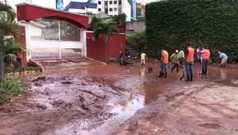 Copeco realiza labores de limpieza en sectores capitalinos