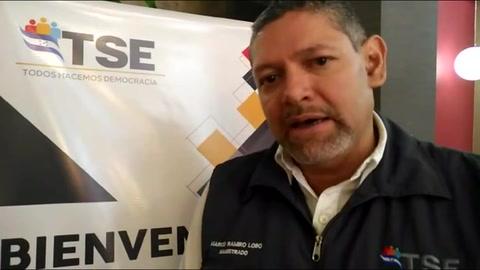 M. Ramiro Lobo explica cómo va el proceso del voto en el exterior