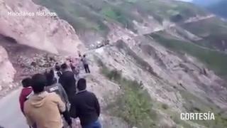 Deslizamiento sepulta a una mujer en Huancarani,Peru