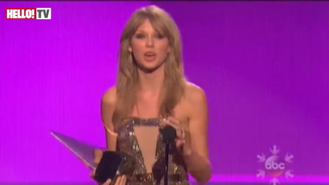 Taylor Swift wins big at the American Music Awards