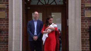 Guillermo y Catalina muestran a su tercer hijo recién nacido