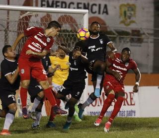 Honduras Progreso empatan 1-1 ante Marathón en el estadio Humberto Micheletti