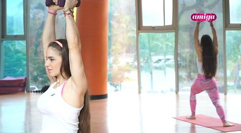 Amiga: Power Yoga para adelgazar