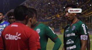 Dramatico momento que se vivió en el Estadio Morazán tras actos vandálicos