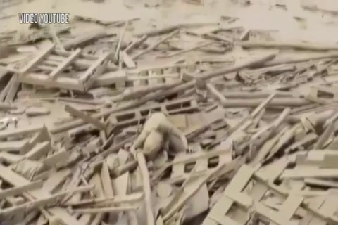 Perú: Mujer es arrastrada por una avalancha de lodo y tierra y sobrevive