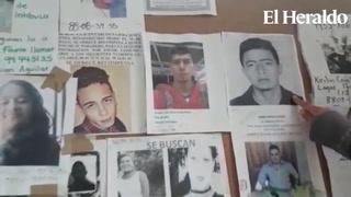 Madre busca a su hijo desaparecido durante al menos un año