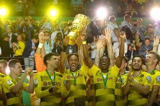 Borussia Dortmund gana la Copa de Alemania tras vencer 2-1 al Frankfurt