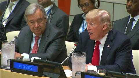 Donald Trump debuta en la ONU criticando su