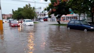 Lluvia vespertina inunda avenida Rafael Sanzio