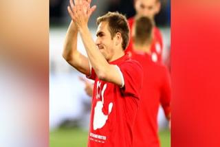 Asi fue ovacionado Phillip Lahm luego de ganar su último titulo con el Bayern München
