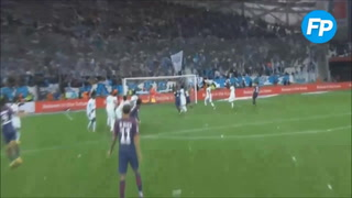 Cavani rescata con golazo el invicto del PSG ante el Marsella
