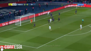 Neymar sale en camilla en Marsella a diez días del duelo contra RM